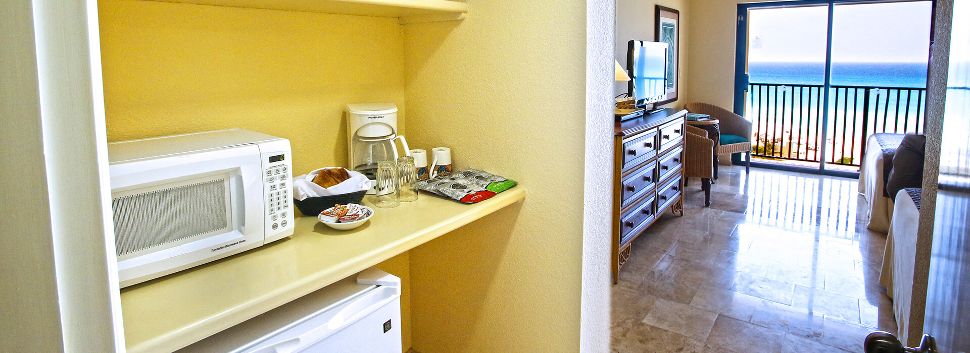 Beachfront Junior Suite fully equipped including kitchen appliances