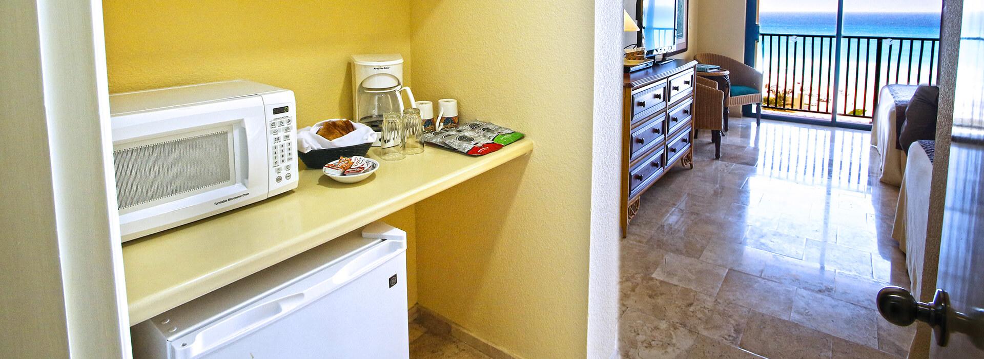 Junior Suite con vista al mar y cocineta equipada en nuestro resort Todo Incluido en Cancun