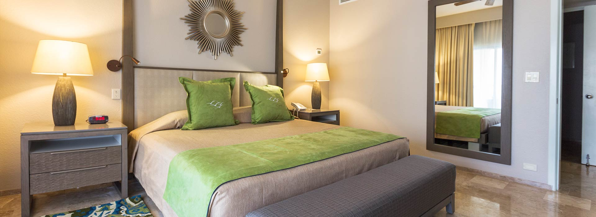 Beachfront villas one bedroom with king size bed in Cancun beachfront Resort