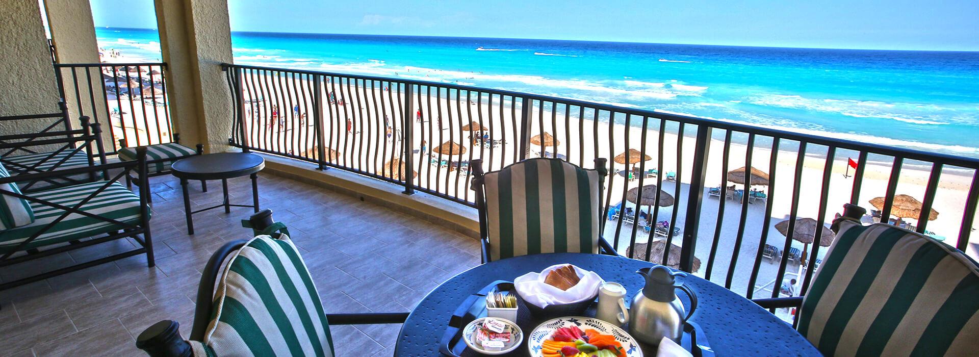 Villas frente al mar de dos recámaras y balcón privado en el Resort Todo Incluido en Cancun