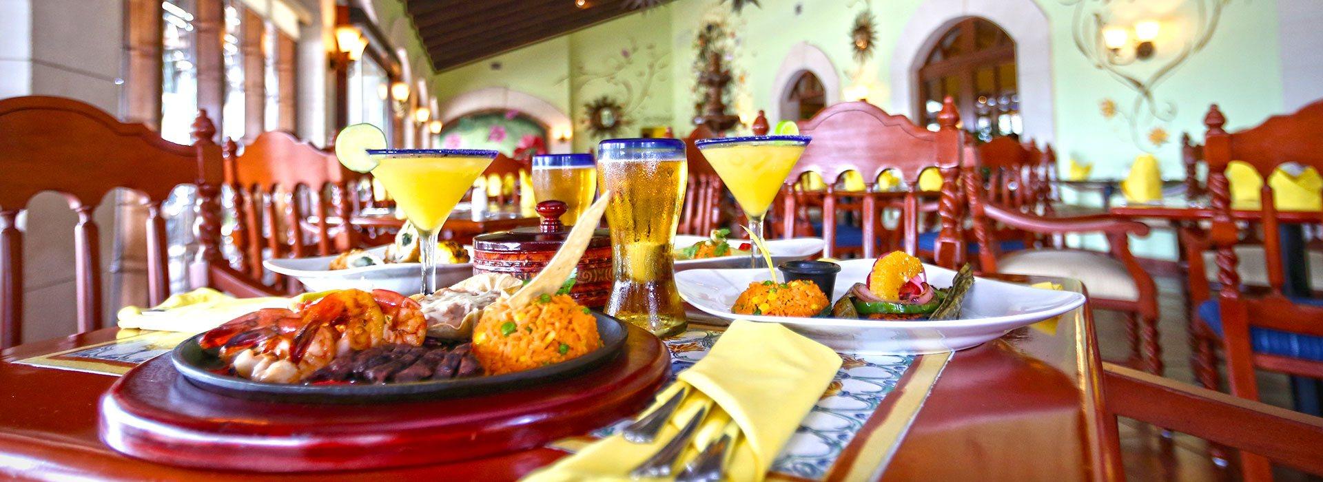 Hacienda Sisal en the Royal Sands sirve los mejores platillos de México