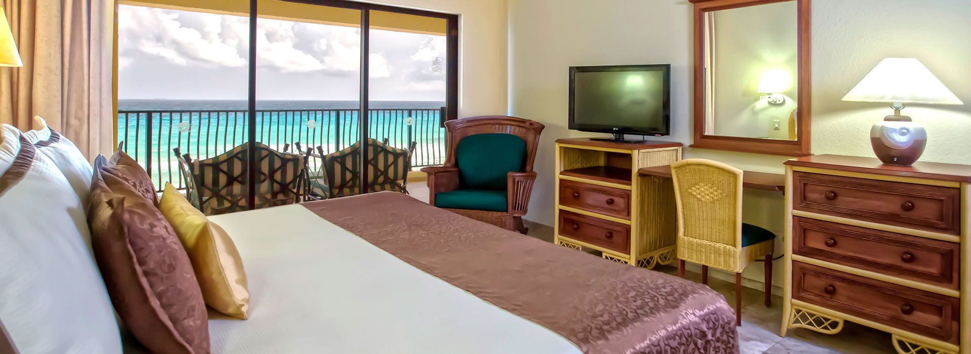 The Royal Sands beachfront suites give you your own private space to enjoy beautiful views
