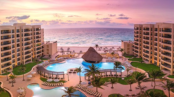 Rediscover the All Inclusive concept in our Cancun beachfront Resort during your family vacation